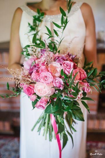 Bouquet sposa asimmetrico