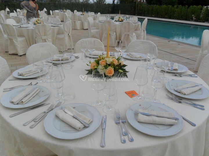 Matrimonio bordo piscina di comfort house la querce foto 9 for Matrimonio bordo piscina