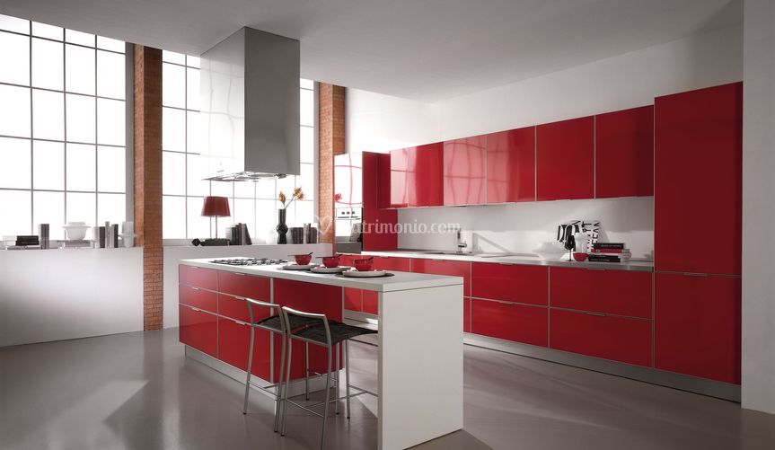 Cucina Modello Aria anta laccata rossa con possibilita di ...