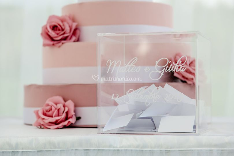 Wedding cube guestbook