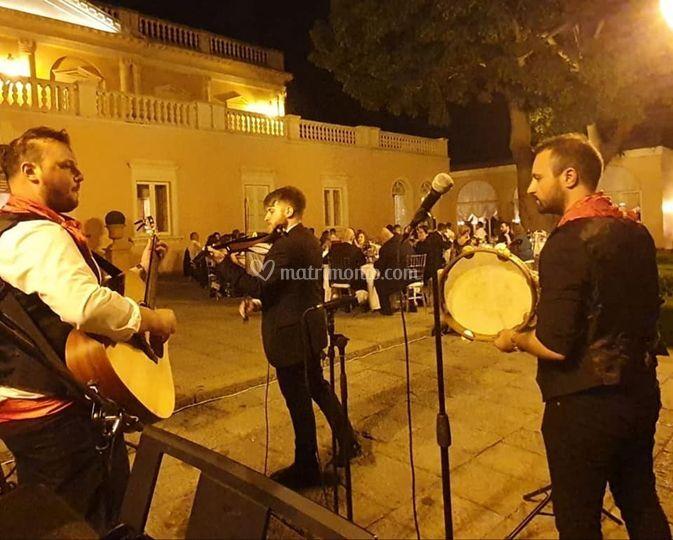 Trio folk con violino