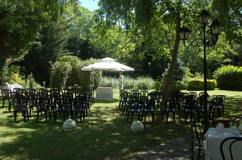 Cerimoinia in giardino