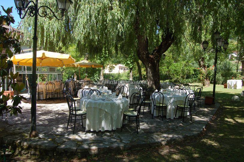 Cerimonia tavoli all'aperto
