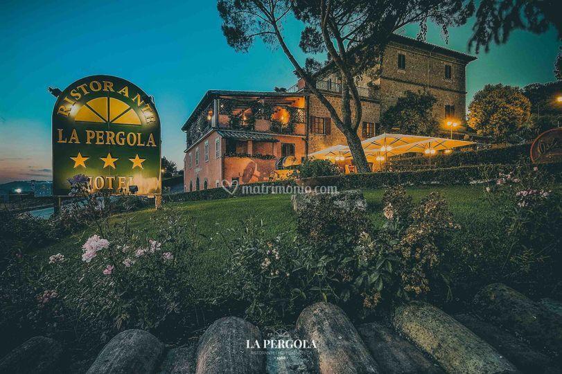 Vista Esterna di Ristorante La Pergola | Fotos