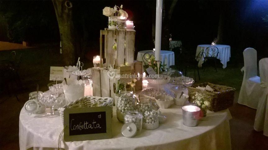 Confettata Matrimonio Country Chic : Il giardino segreto