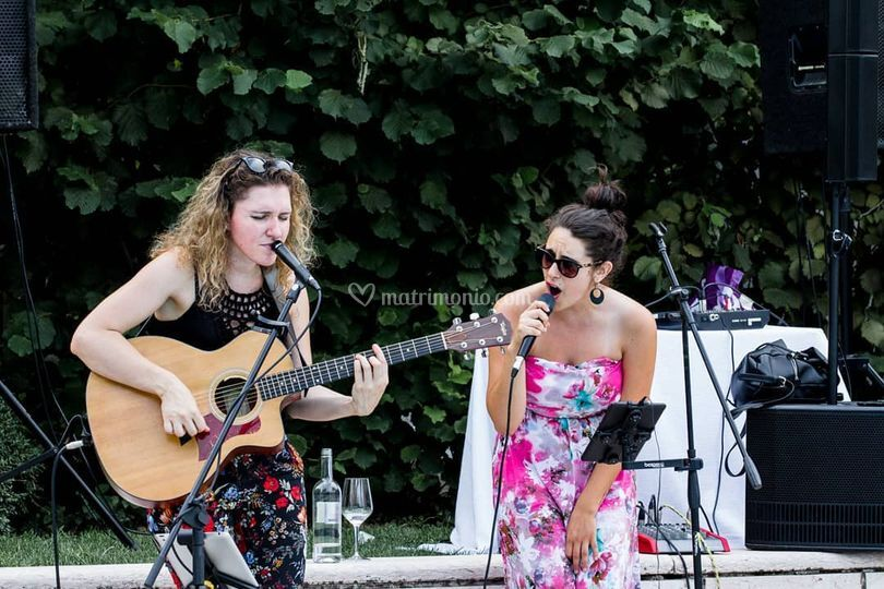 Live music at wedding