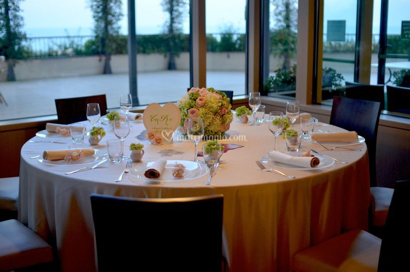 Particolare tavolo