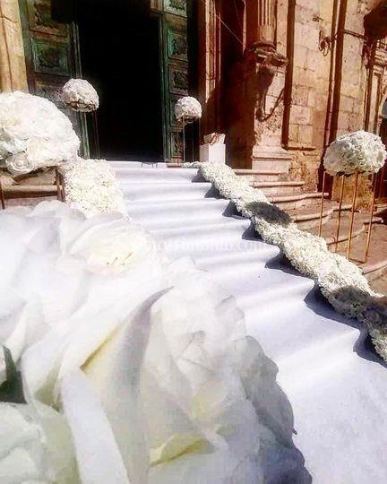 Tappeto bianco e strisce fiori