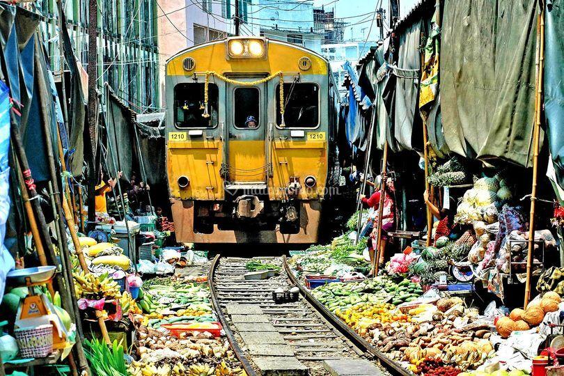 Ferrovia di maeklong