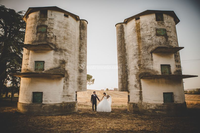 Sposi tra i silos