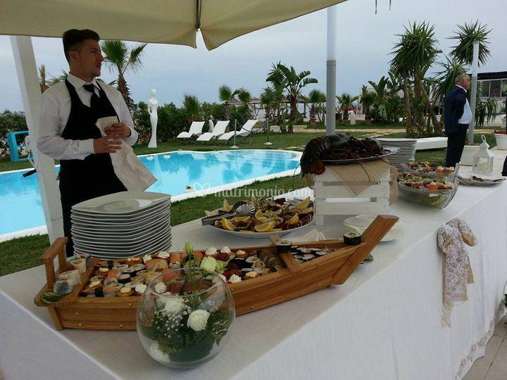 Buffet bordo piscina