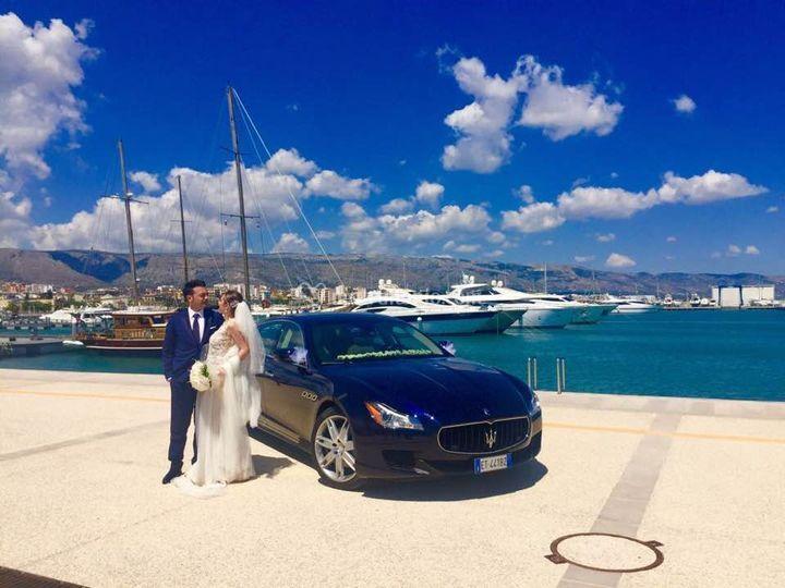 Ammiraglia Maserati blu Manfre