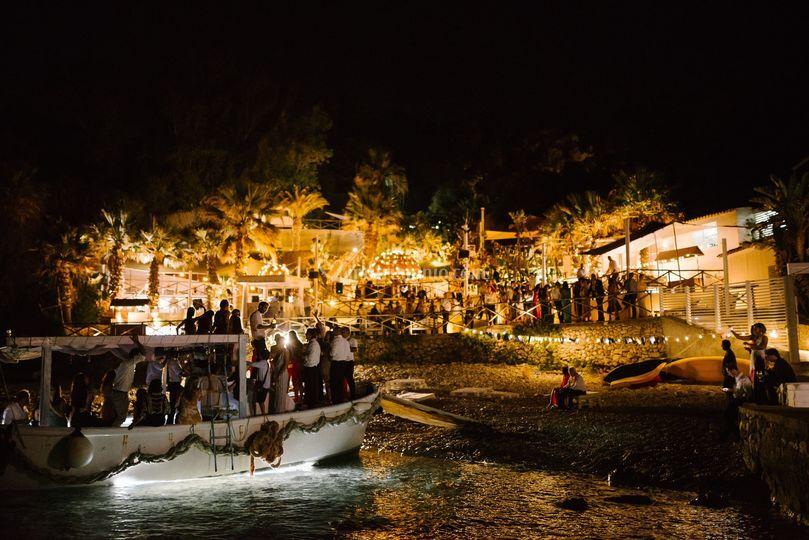 Party boat - ph @HelmutBerta