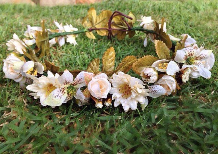 Corone di fiori bianca