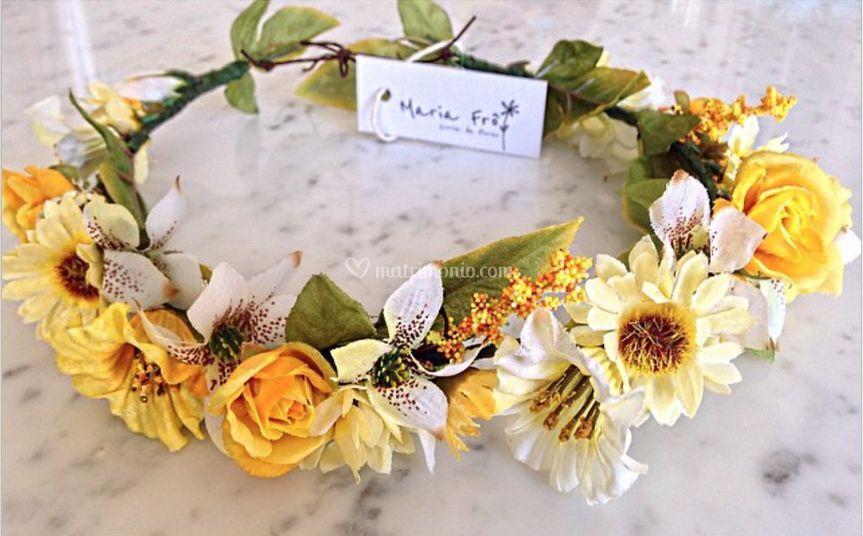 Corone di fiori gialla