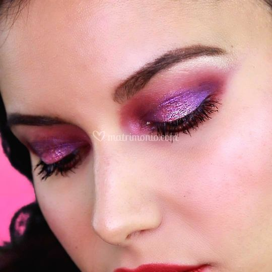 Makeup occhi viola acceso