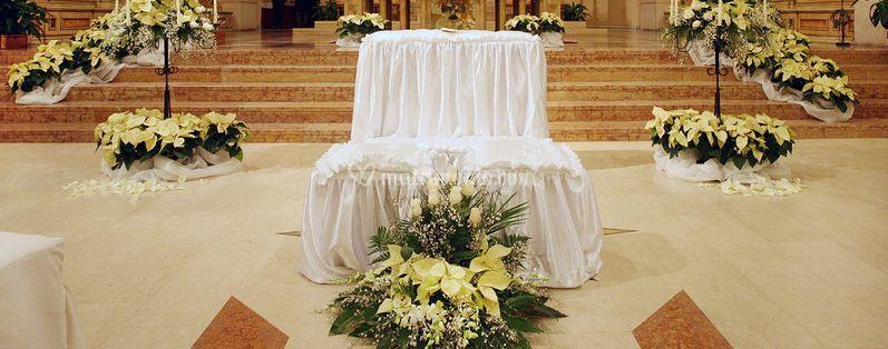 Matrimonio Natale Addobbi : Addobbi con stelle di natale di fiorista mantovani foto