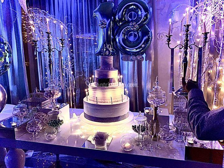 Tavolo torta 18
