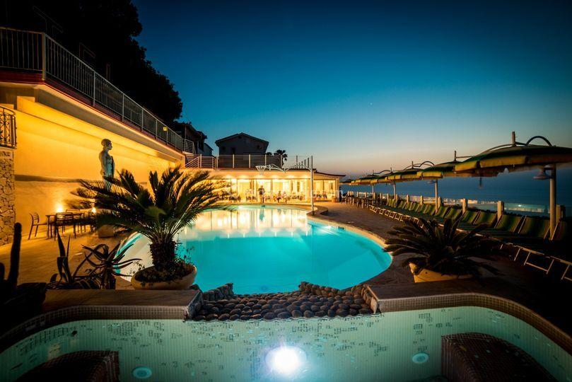 Matrimonio Spiaggia Tropea : Tropea sul podio per i matrimoni di stranieri