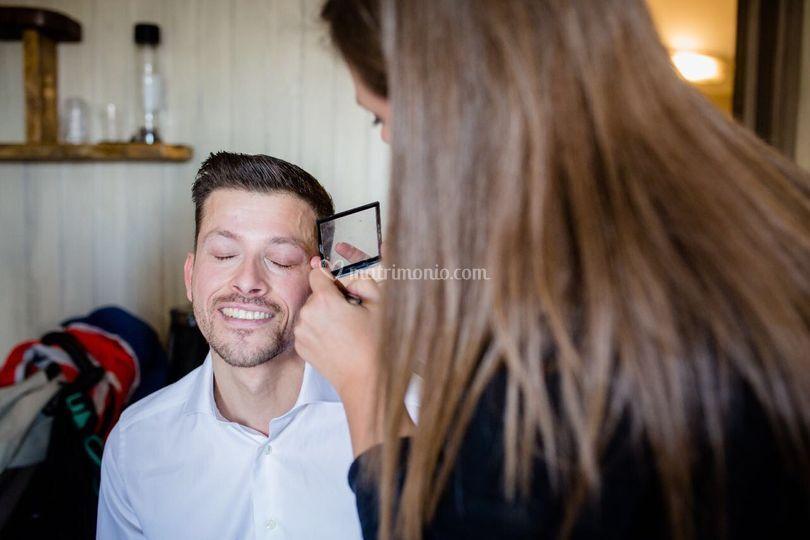 Groom make up