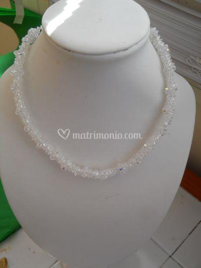 Collana con Swarovski 4mm e cristalli di boemia
