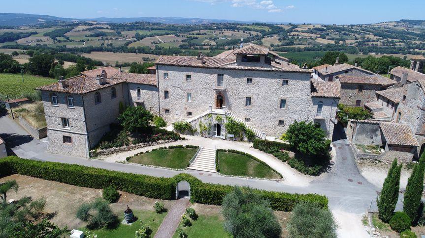 La facciata del Castello