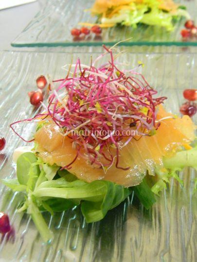 Salmone marinato alle erbe