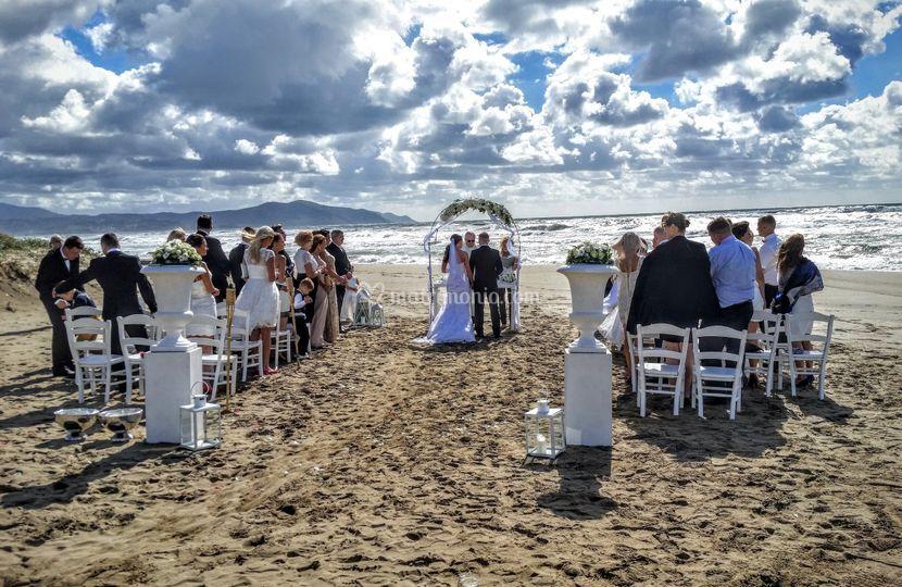 Matrimonio Civile In Spiaggia : Rito civile in spiaggia di oleandri wedding paestum fotos