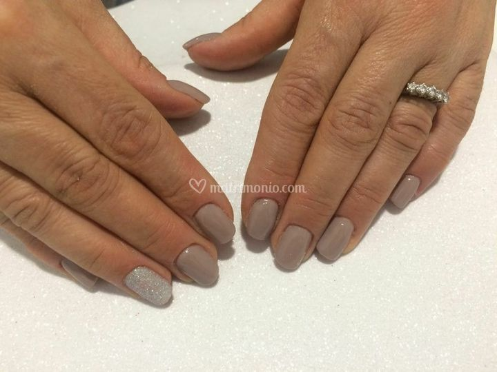 Semipermanente nails