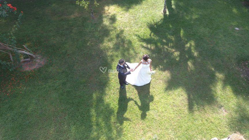 Vista aerea coppia sposi