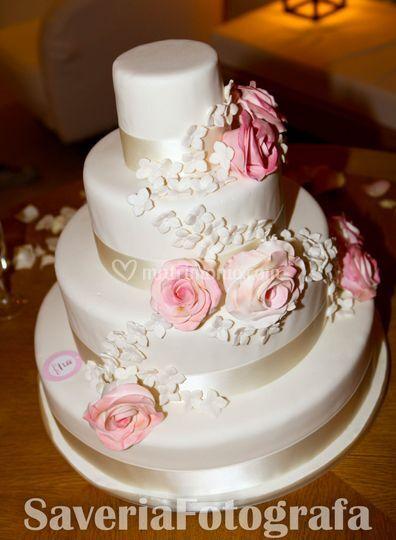Wedding cake by Luxury Cakes