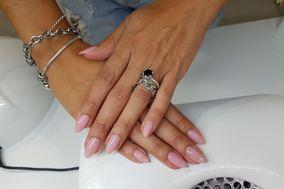 Studio Nails