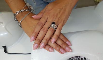 Studio Nails 1