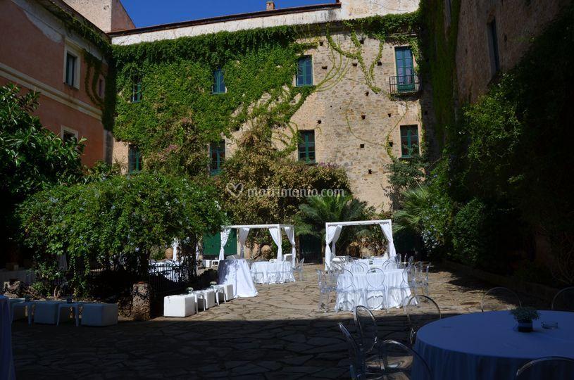 Palazzo belmonte - cortile