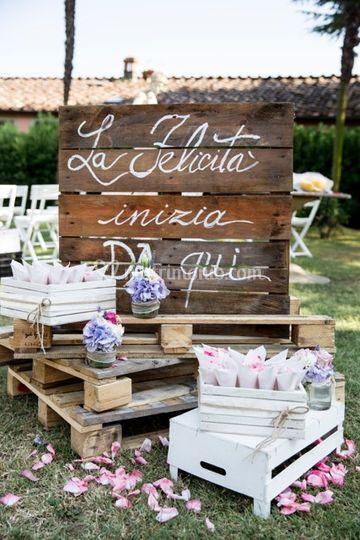 Rustic Chic Wedding Corner