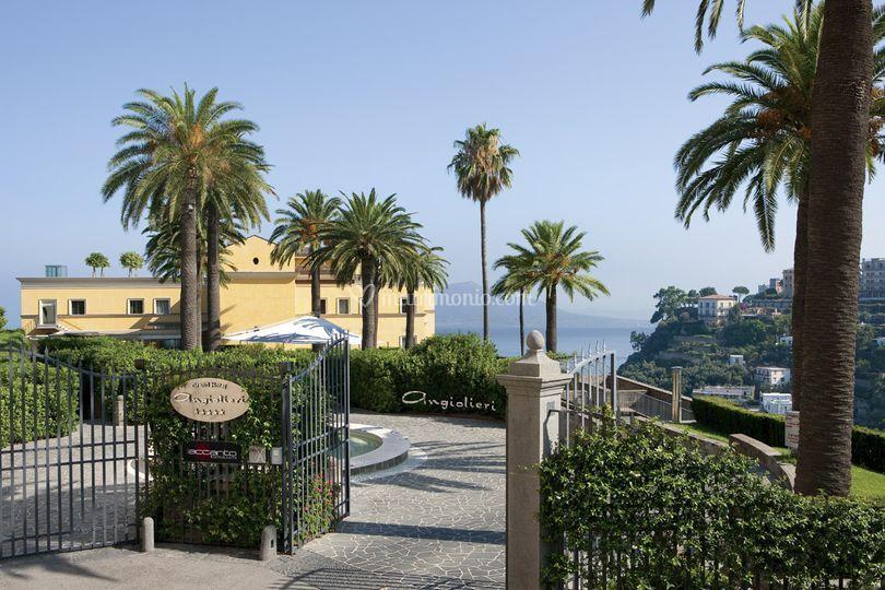 Grand Hotel Angiolieri - L'entrata