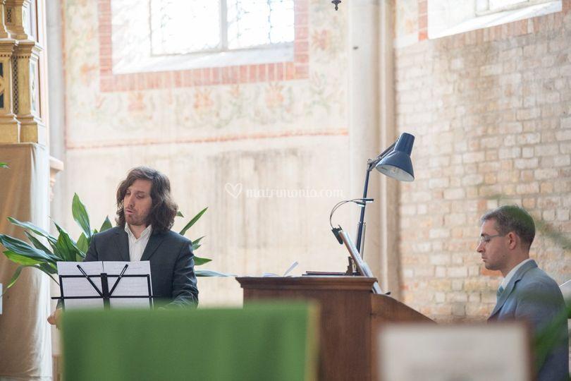 Claudio e organista