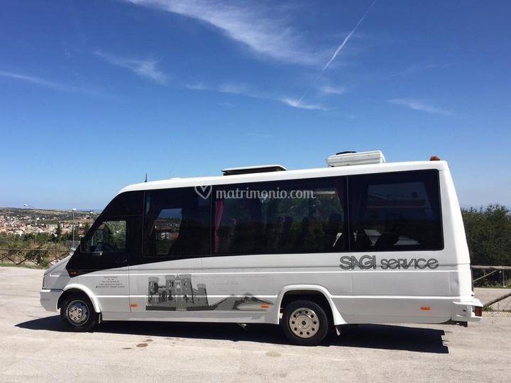 Bus 20 persone