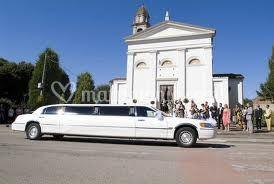 Limousine per gli sposi