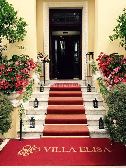 Decorazione scalinata entrata