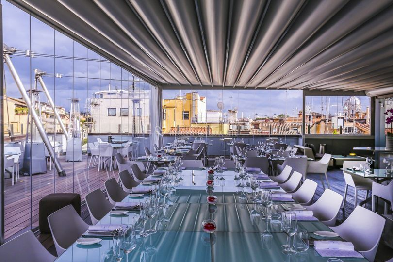Hi Res Restaurant Terrace Lounge