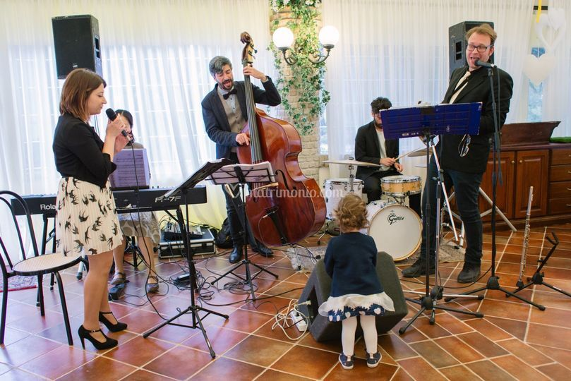 Tebataki Swing Band
