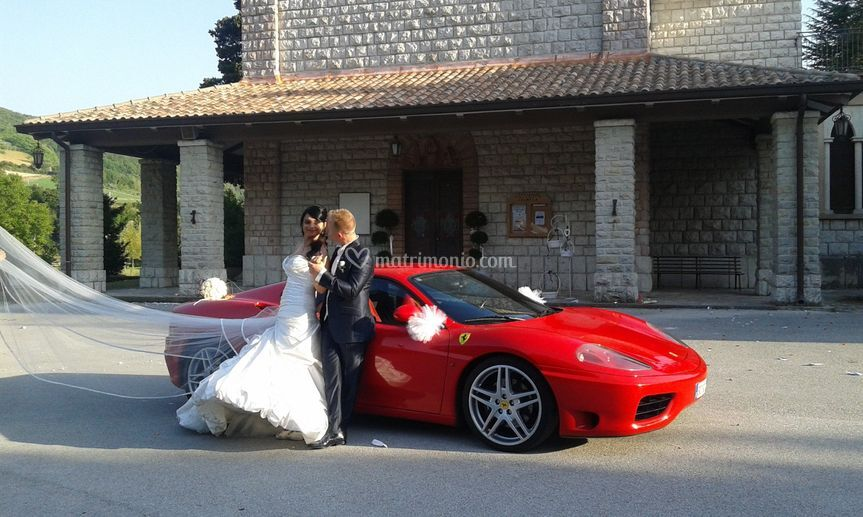 Sposi in Ferrari