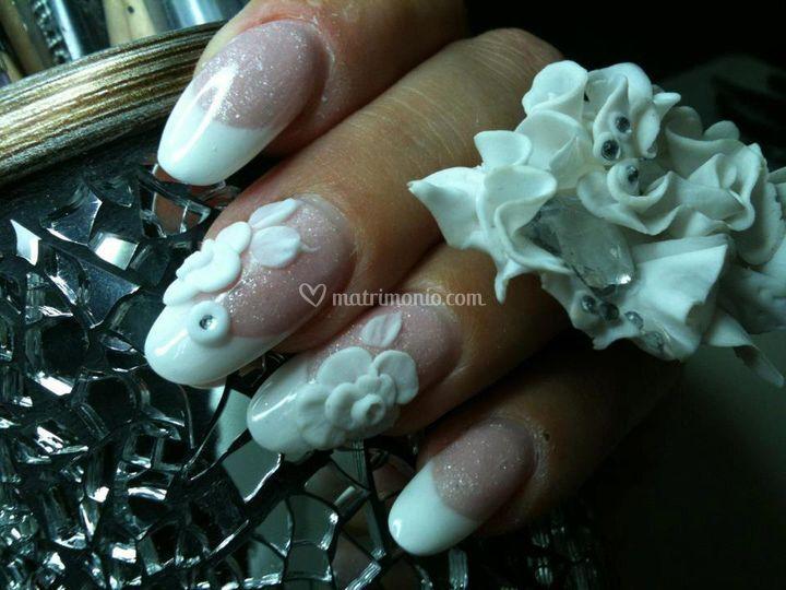 Anello abbinato alla manicure