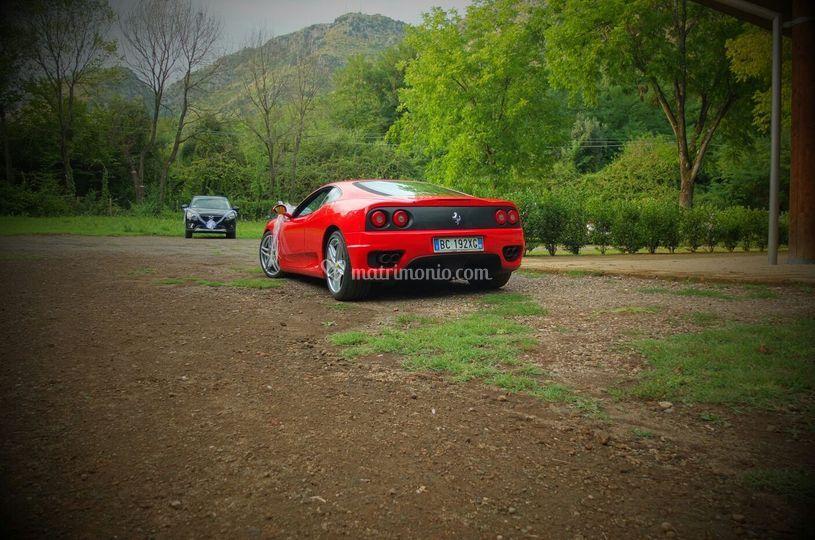 Ferrari ai giardini di ninfa