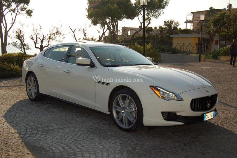 Maserati quattroporte Q4 bianc