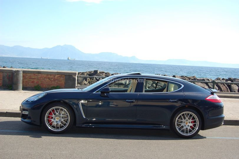 Porsche Panamera Blù