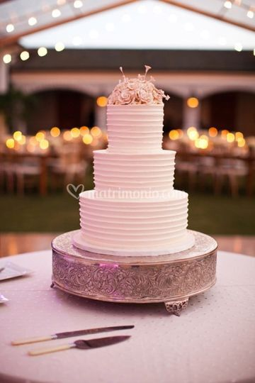 Wedding Cake Total White