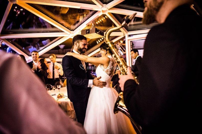 Bride & groom first dance