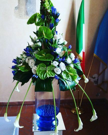 Addobbi fiori blu e verde